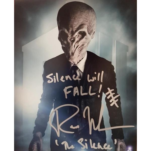 Autografo Ross Mullan Doctor Who Silence Foto 20X30