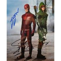 Autografo Grant Gustin & Stephen Amell Foto 20x25