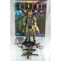 Hot Toys Aliens Movie Masterpiece Sergeant Apone Collectible Figure