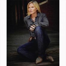 Autografo Kelli Giddish - CHASE Foto 20x25