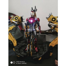 Hot Toys MMS160 Iron Man 2 - Suit-up Gantry with Mark 4 IV 1/6 Collectible Se